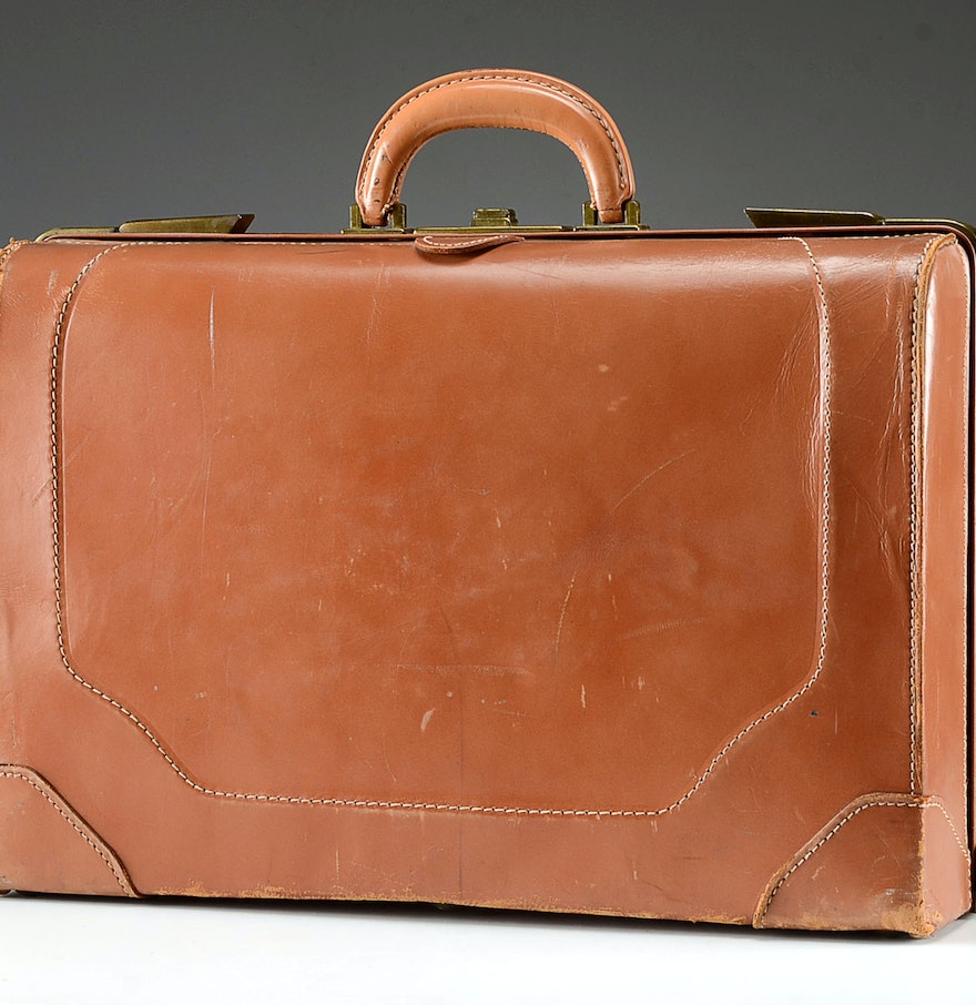 1960 39 S Leather Suitcase With Travel Hotel Accoutrements