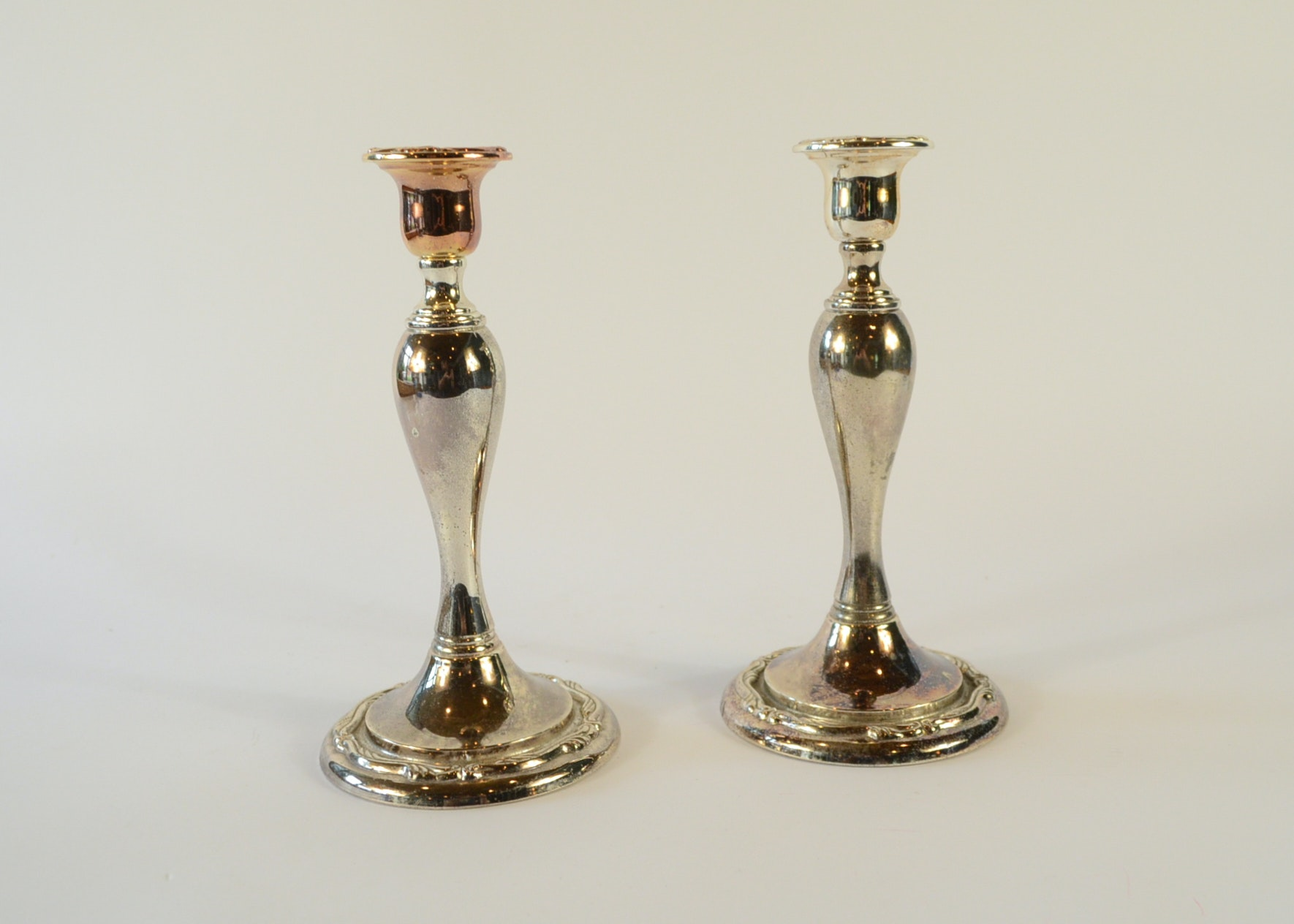 Pair of Oneida Silver Plate Candle Holders ... & Pair of Oneida Silver Plate Candle Holders : EBTH