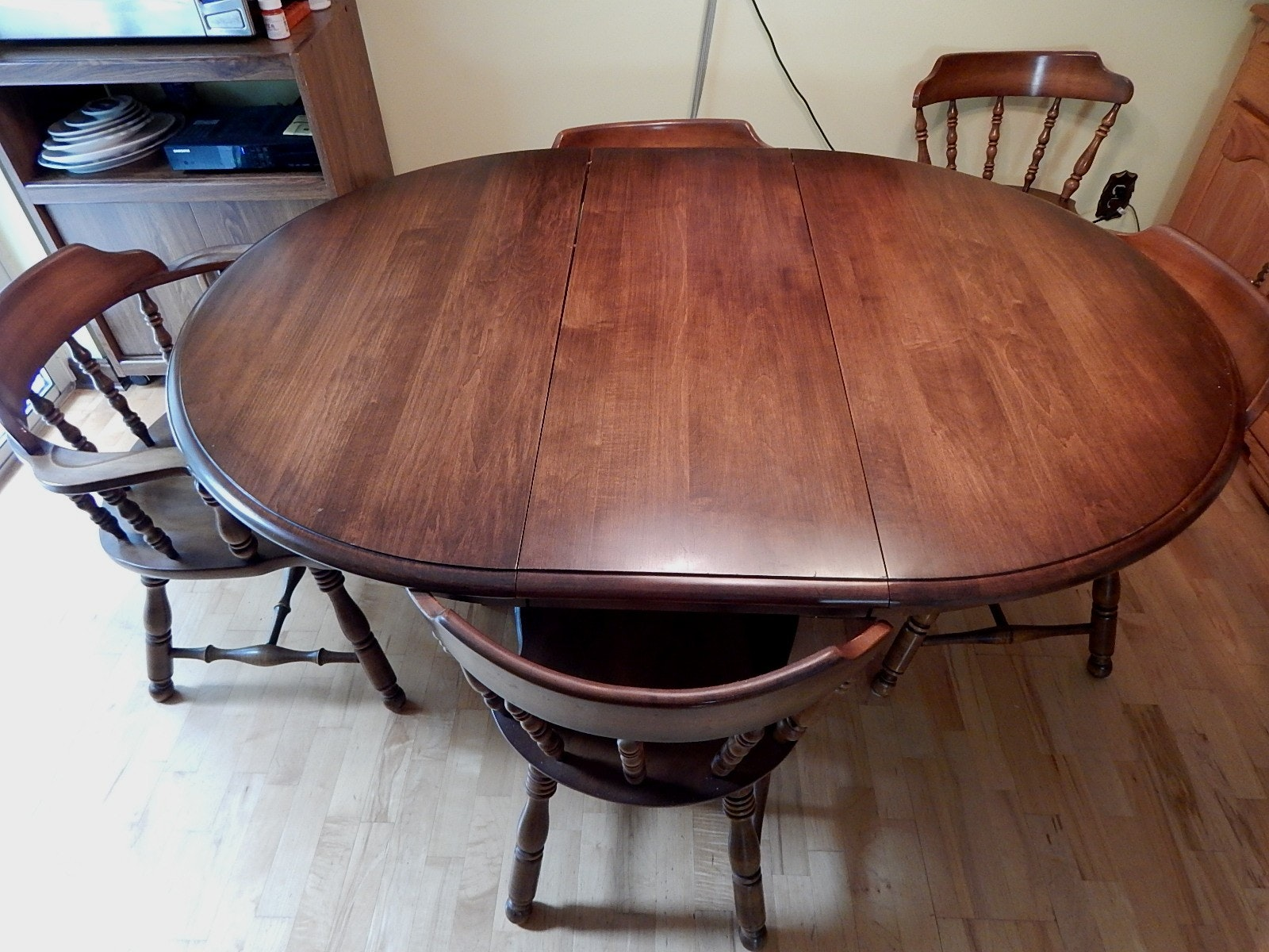 Kling Furniture Maple Table And Five Chairs ...