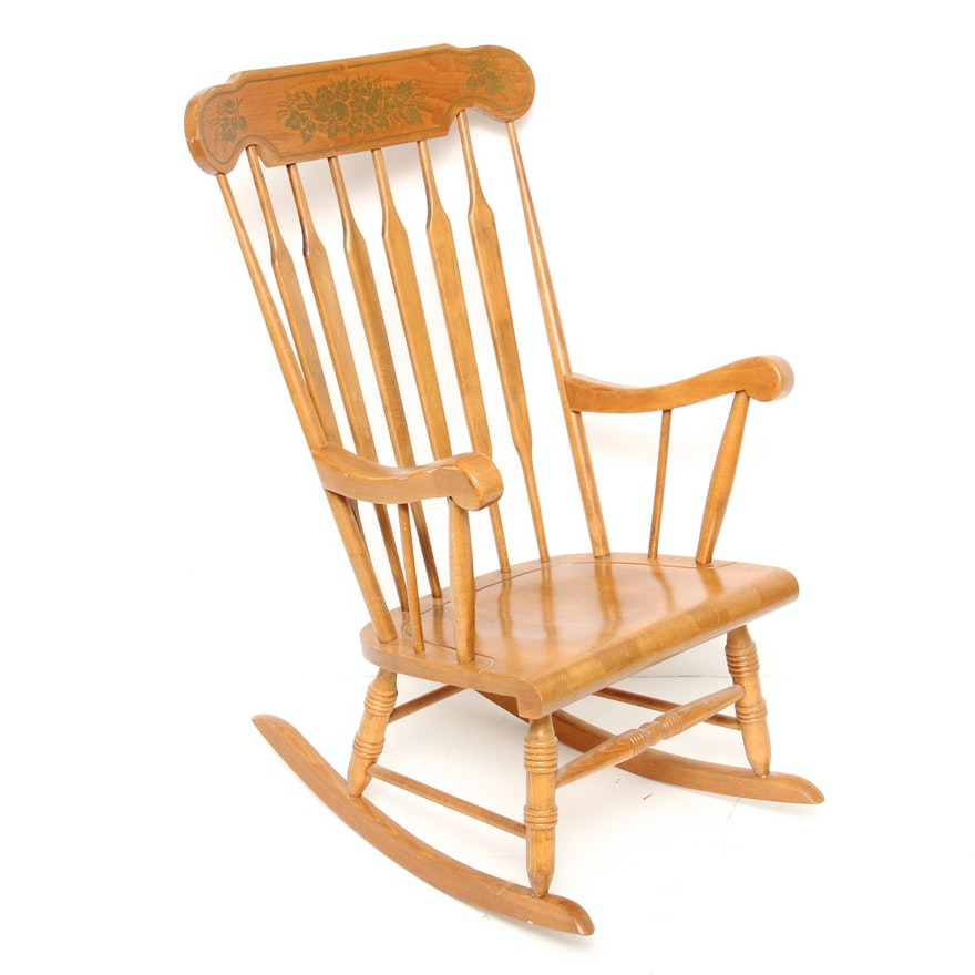 Pleasing Vintage Maple Rocking Chair Beatyapartments Chair Design Images Beatyapartmentscom