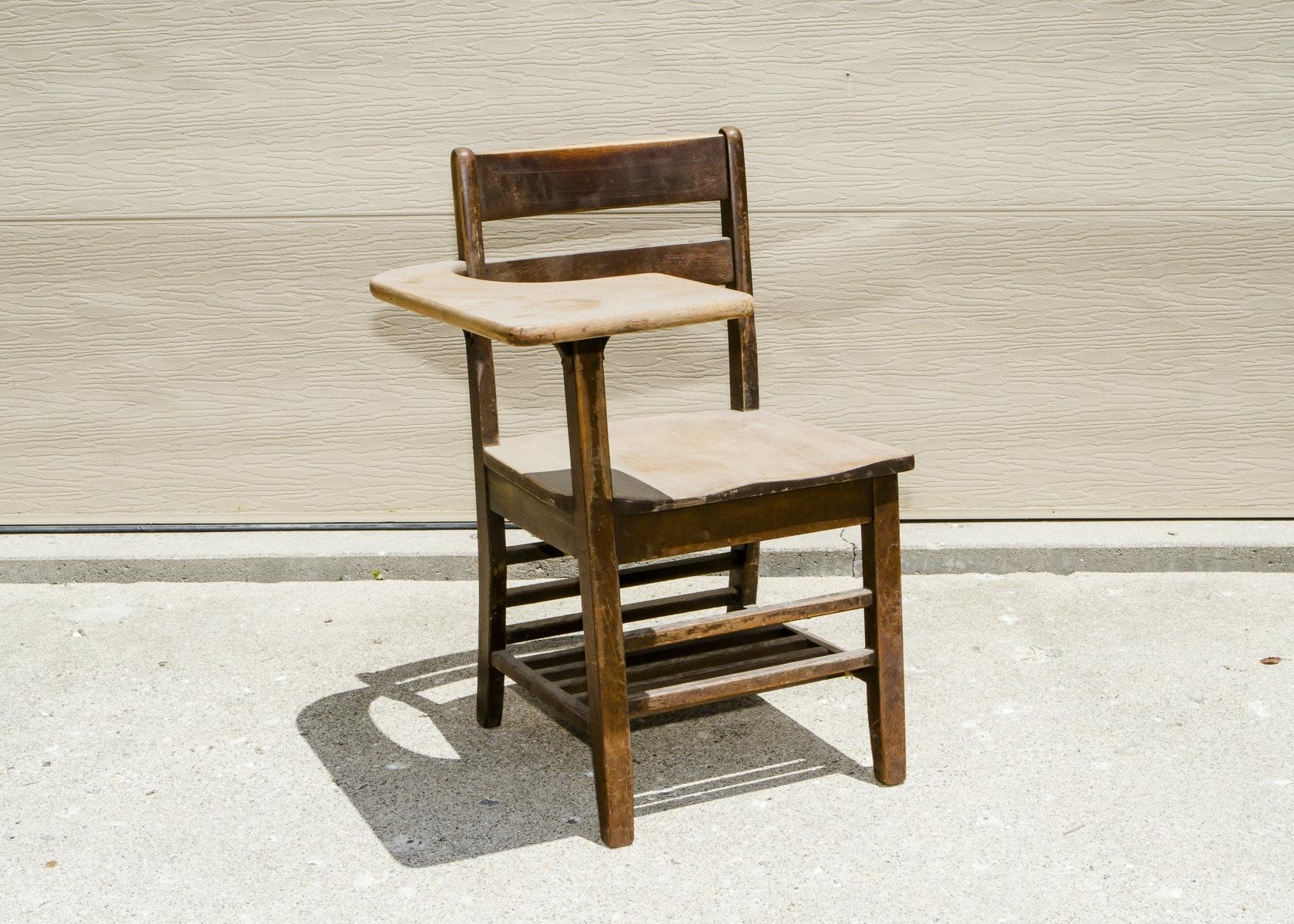 Bentwood chair vintage - Maple Wood School Desk Chair Circa 1940s Ebth