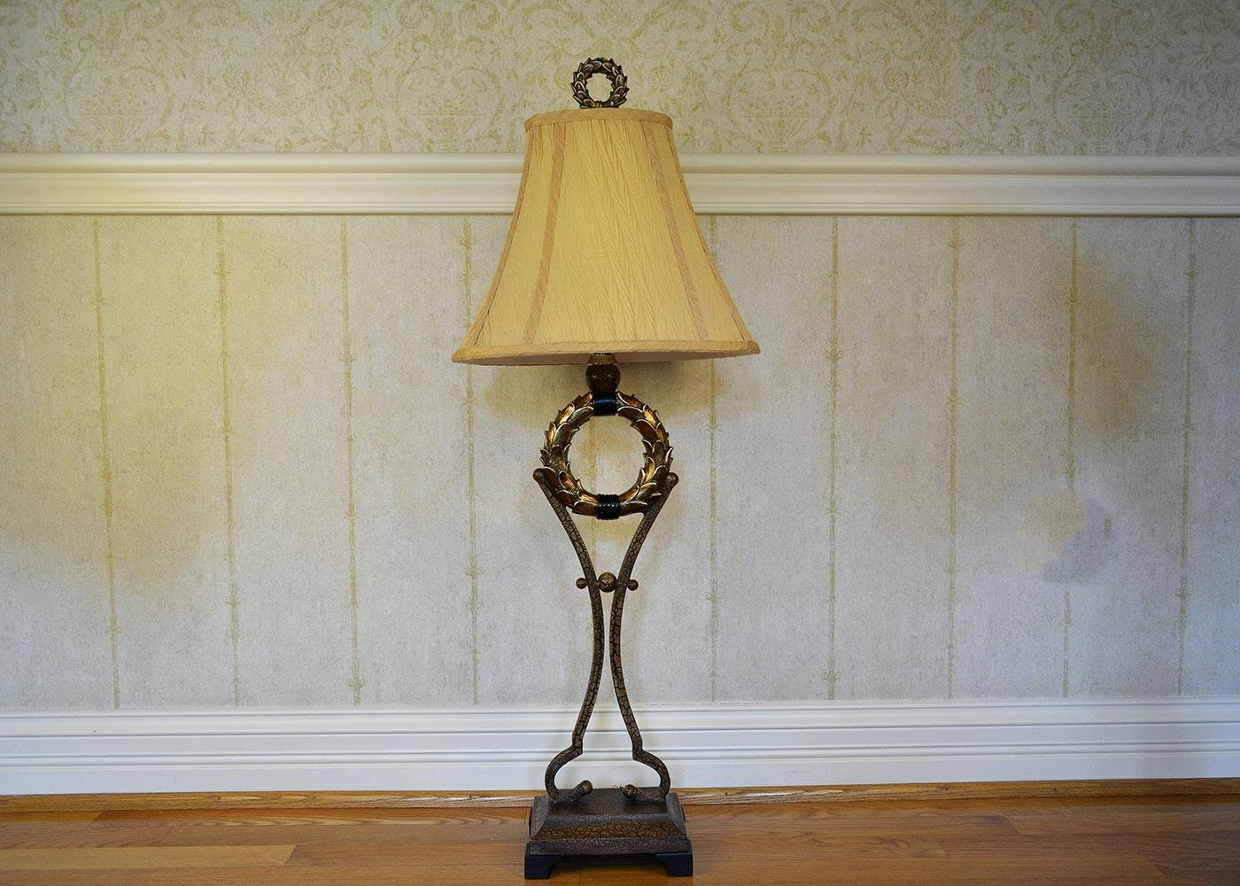 Laurel Wreath Themed Table Lamp Ebth