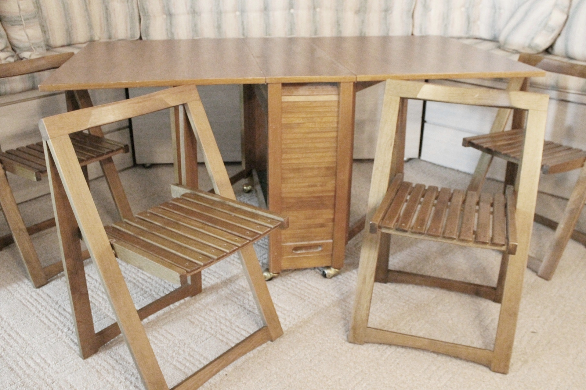 Solid Oak Versatile Folding Dining Table With Four Folding Chairs