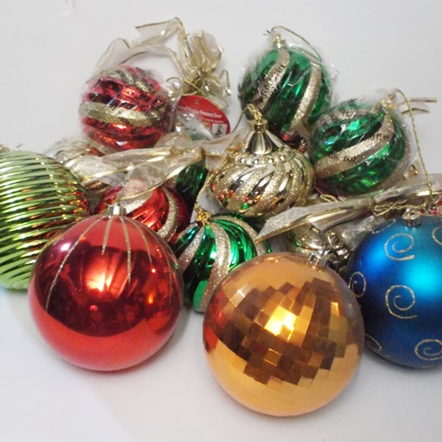 Assortment of Large Shatterproof Christmas Ornaments : EBTH