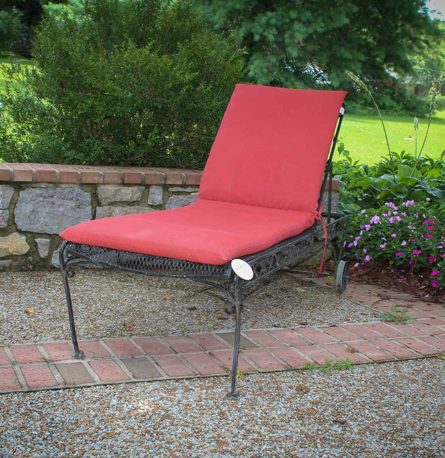 Outdoor patio chaise lounge ebth for Black metal chaise lounge outdoor