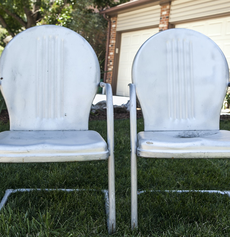Vintage mid century modern metal folding wire mesh patio chairs - Retro Metal Lawn Chairs