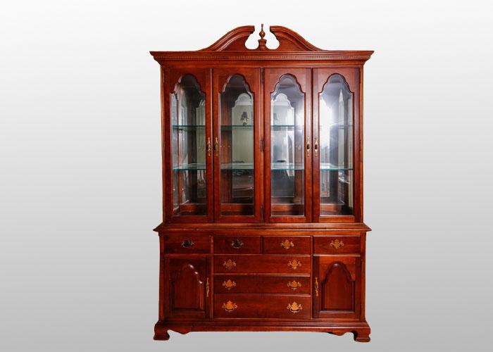 Stanley American Craftsman China Cabinet : EBTH