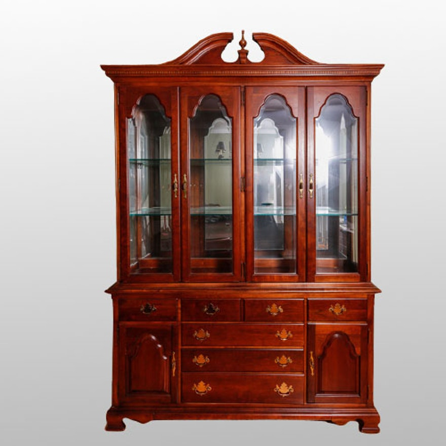 Stanley American Craftsman China Cabinet - Online Furniture Auctions Vintage Furniture Auction Antique