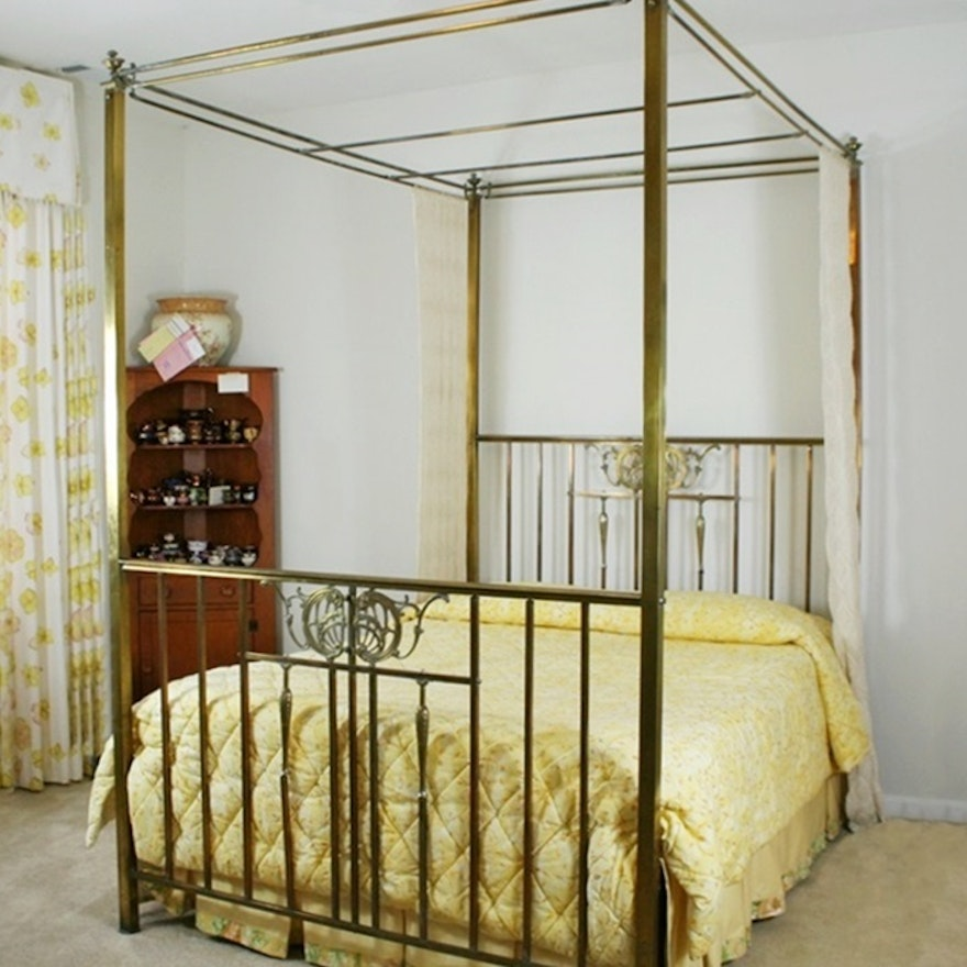 a4e8bff4be174 Antique Four Poster Canopy Brass Bed   EBTH