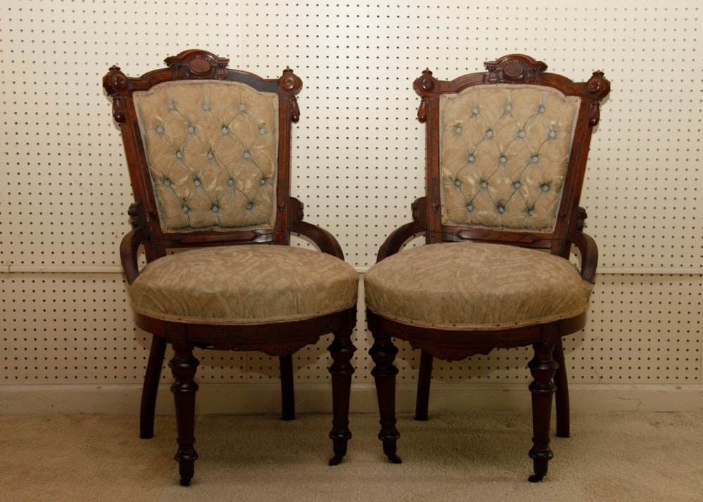 Charmant Pair Of Antique Victorian Eastlake Chairs ...