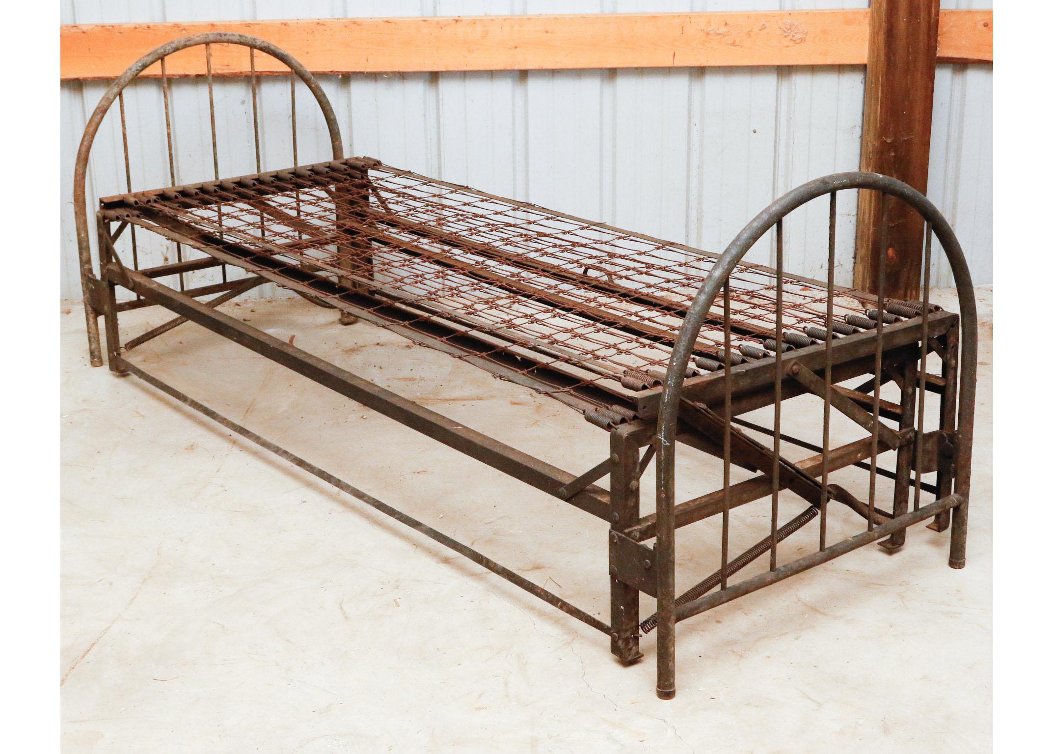 Antique Metal Trundle Bed EBTH