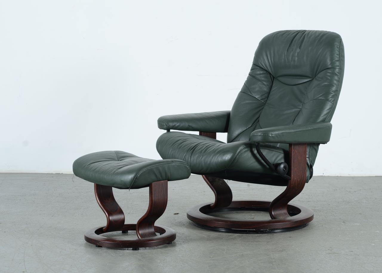 Ekornes Stressless Chair and Footstool ... & Ekornes Stressless Chair and Footstool : EBTH