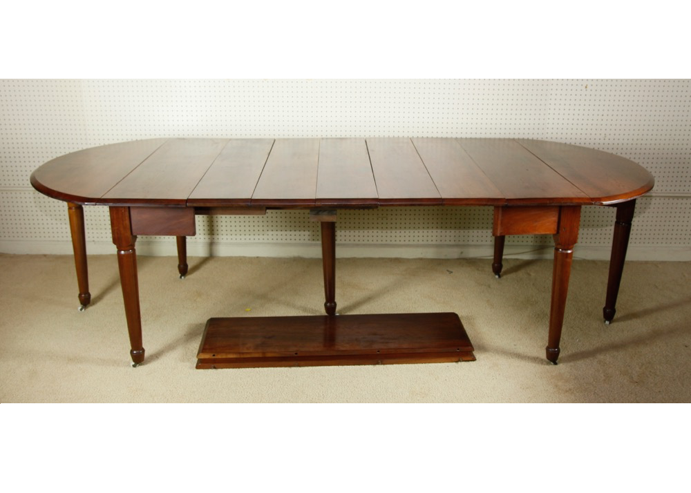 Federal Style Mahogany Dining Table EBTH : MG0518pngixlibrb 11 from www.ebth.com size 880 x 906 png 612kB