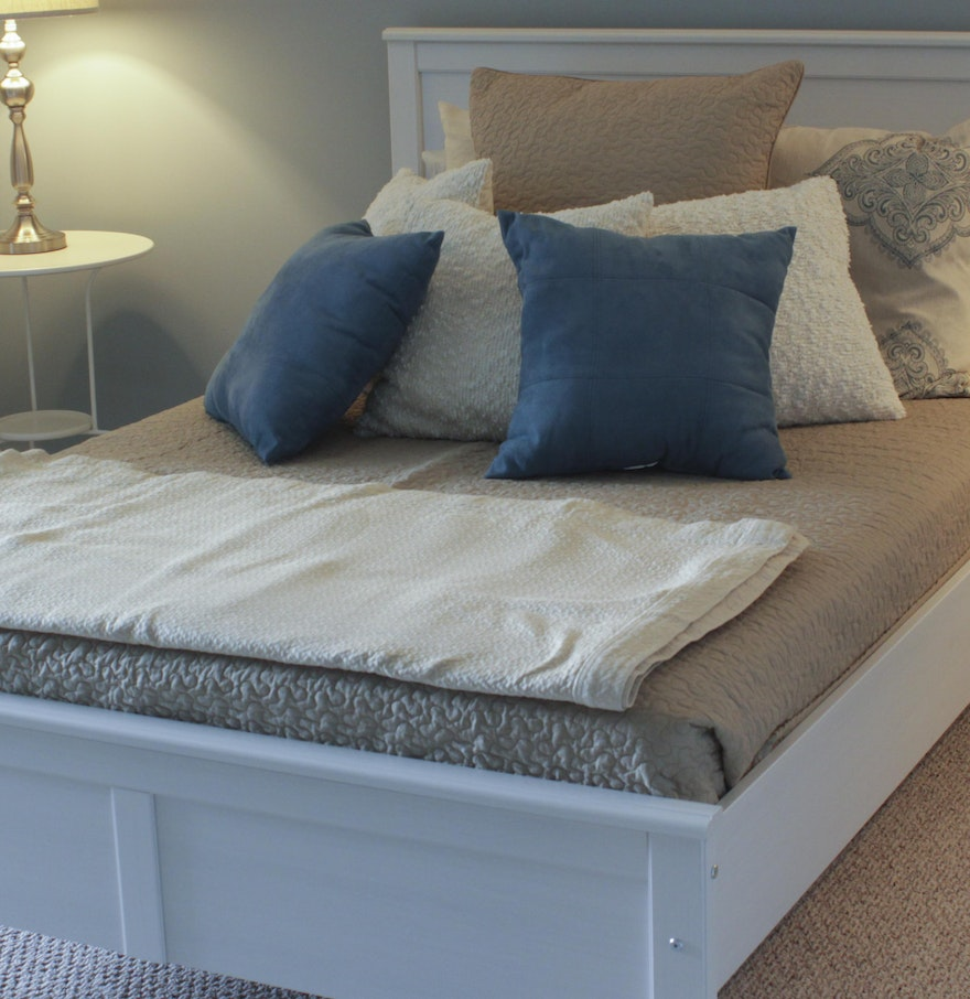 Taupe and White Bedding with Pillows Galore : EBTH