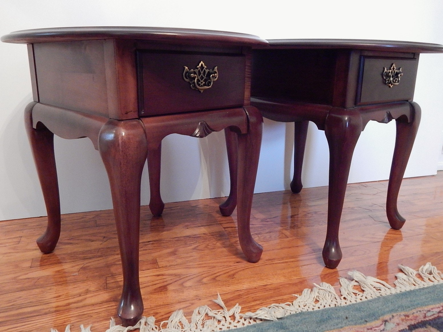 Marvelous Pair Of Broyhill Queen Anne End Tables ...