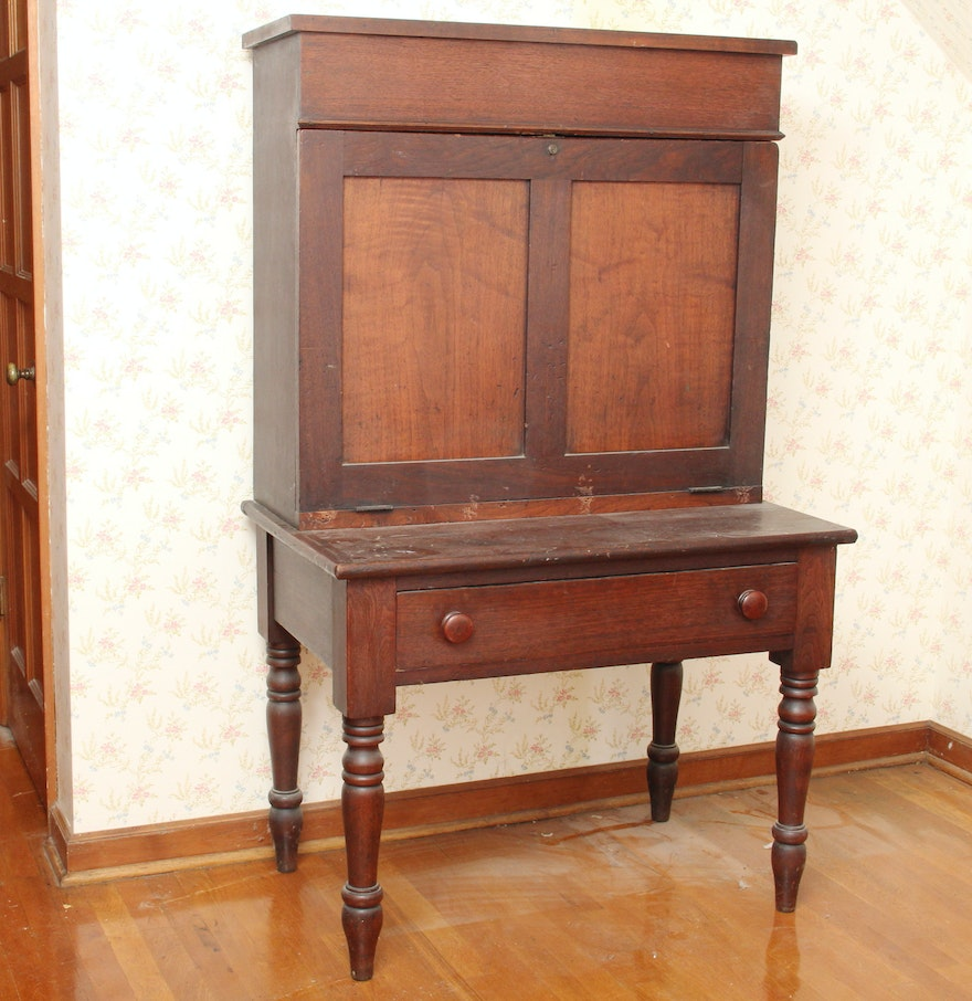 Antique Walnut Plantation Desk ... - Antique Walnut Plantation Desk : EBTH