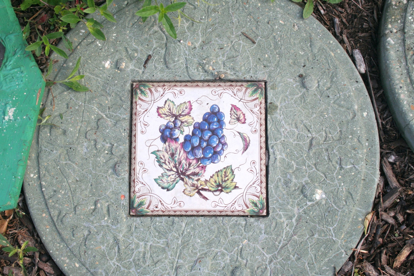 Stepping stones and garden decor ebth for Outdoor decorating with stones