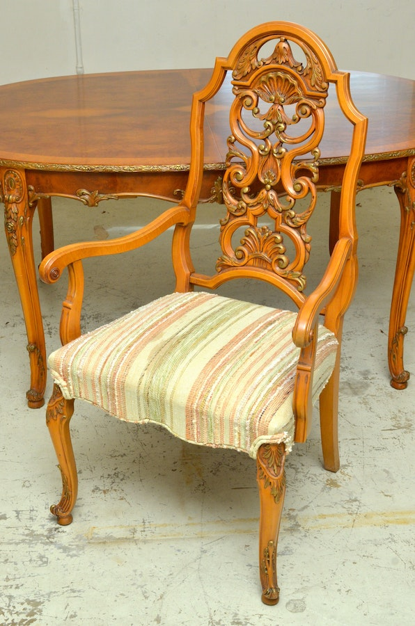 Romweber Acacia Dining Room Table And Chairs Ebth