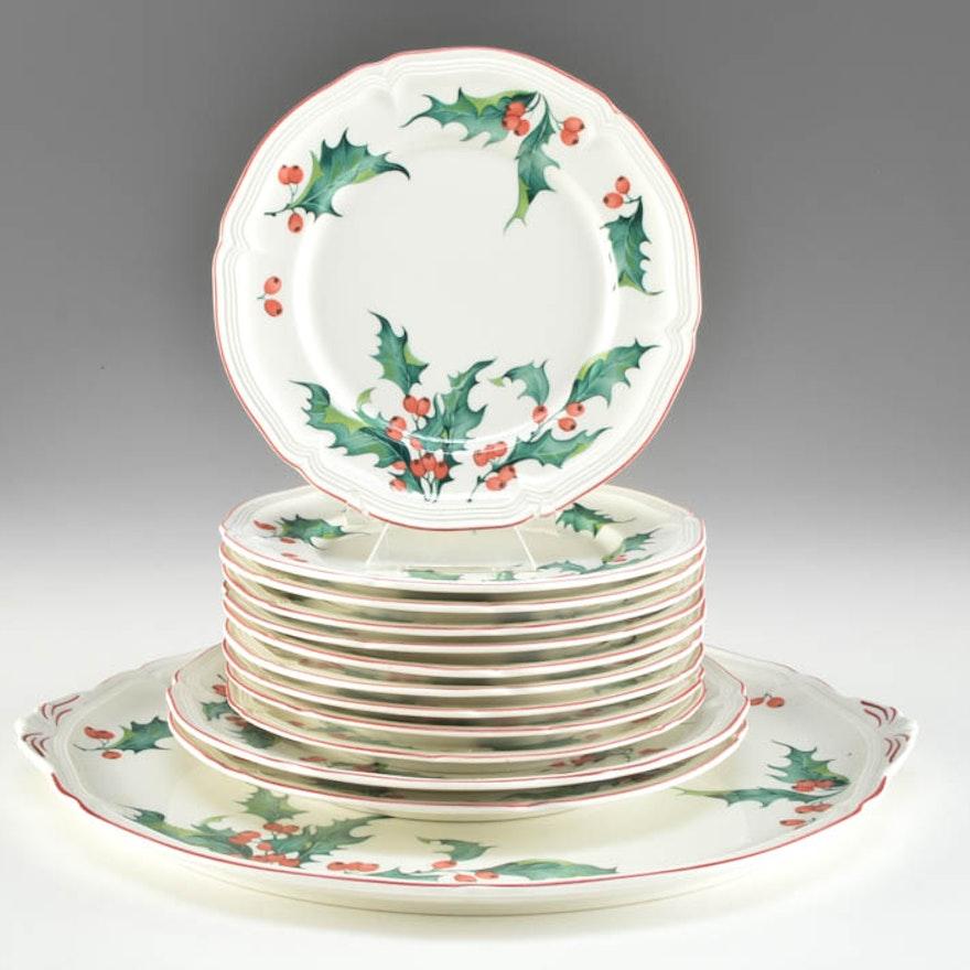 Set Of Villeroy And Boch Christmas Holly Plates Ebth