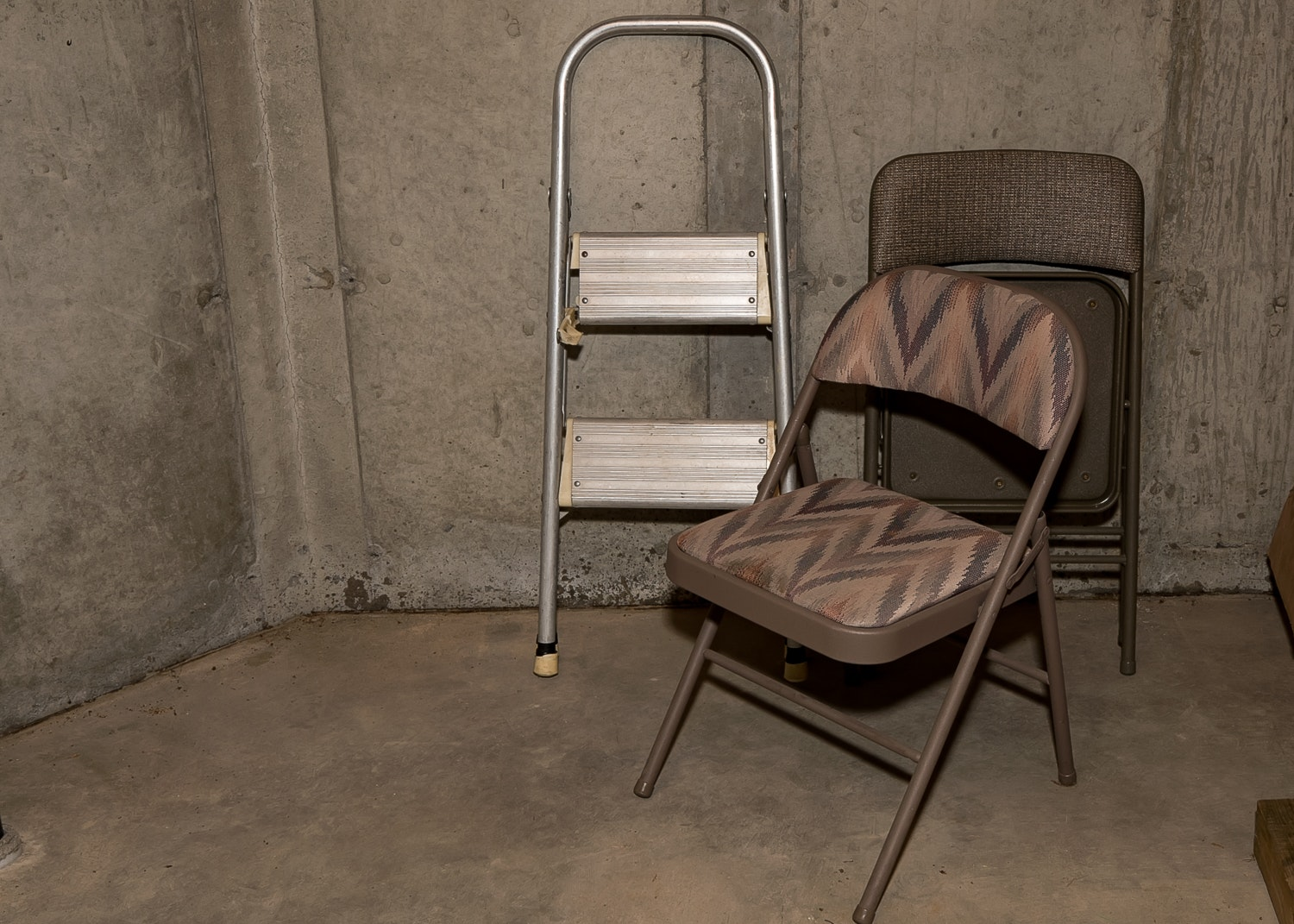 Folding Chairs And Step Ladder Ebth