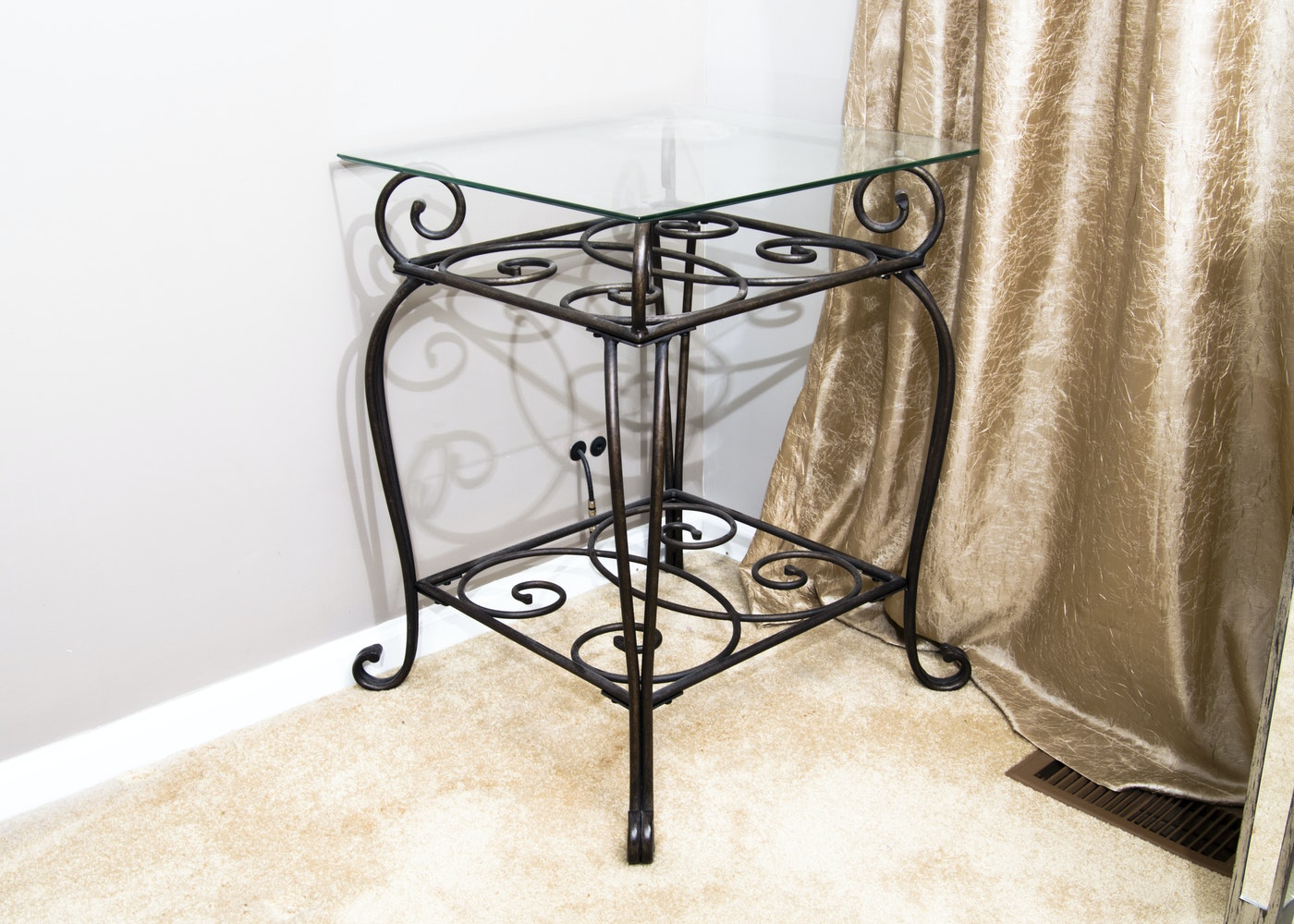 wrought iron glass top end table ebth. Black Bedroom Furniture Sets. Home Design Ideas