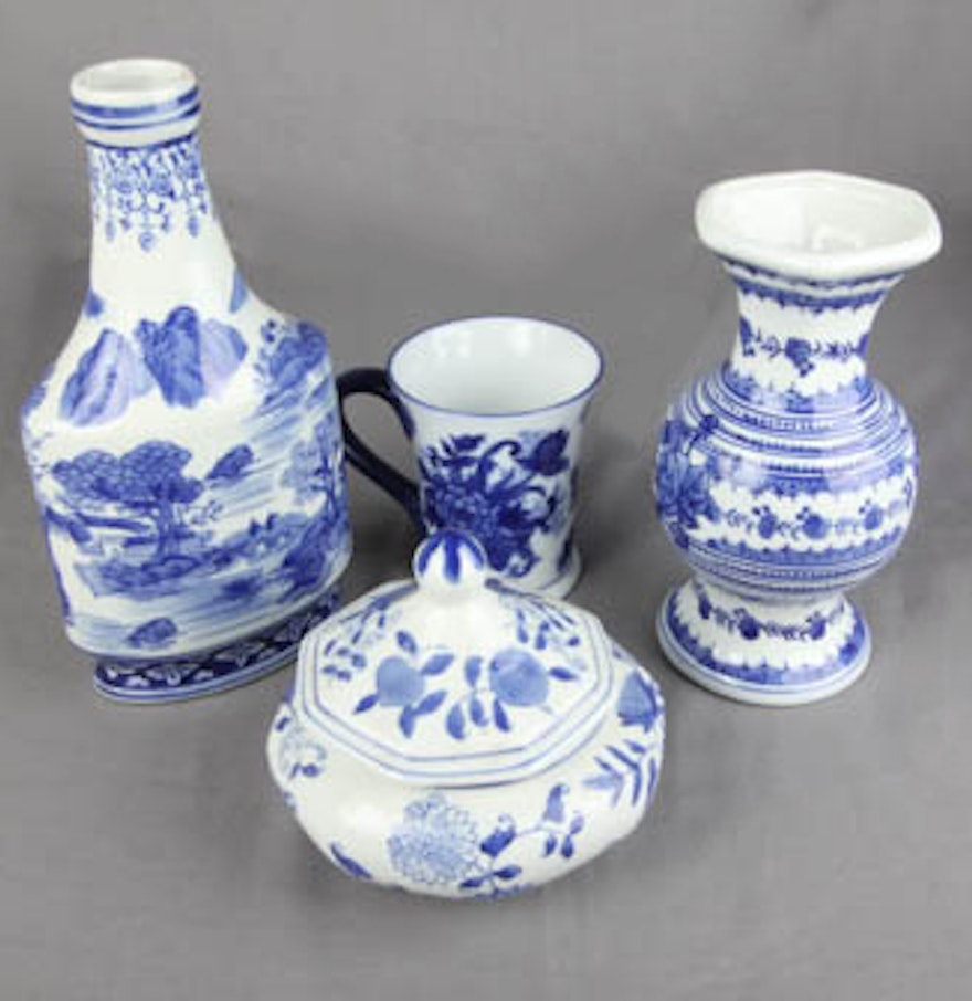 Blue and white ceramic decor ebth for Decorating with blue and white pottery