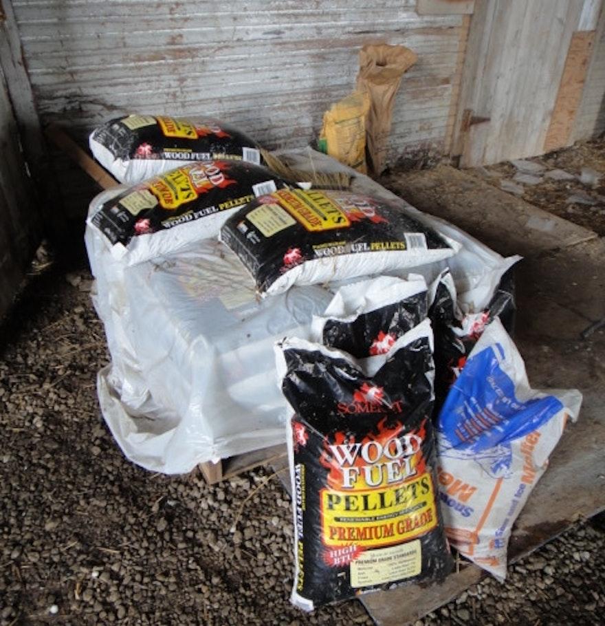 Bags of Somerset Wood Fuel Pellets : EBTH