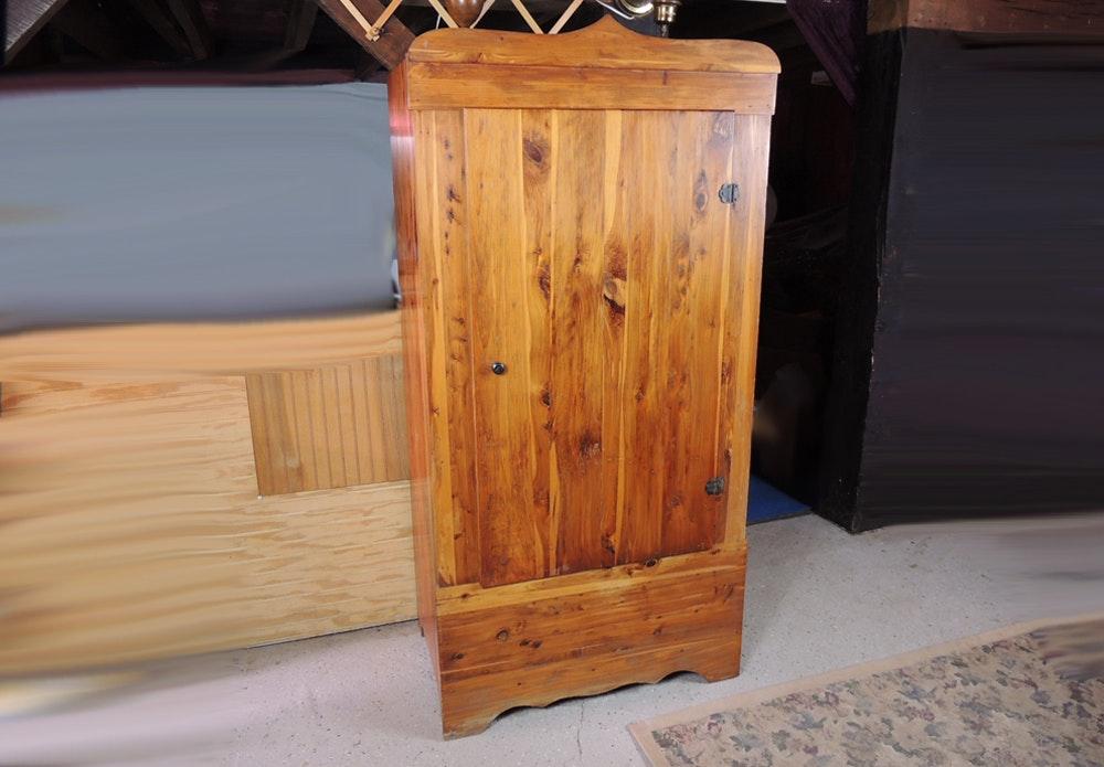 Charmant Free Standing Cedar Closet ...