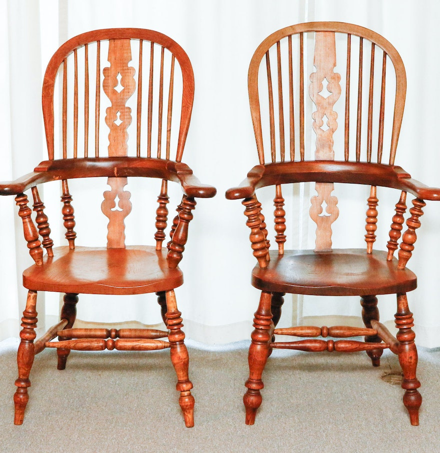 High back antique chairs - Two English Broad Arm High Back Windsor Chairs Circa 1860