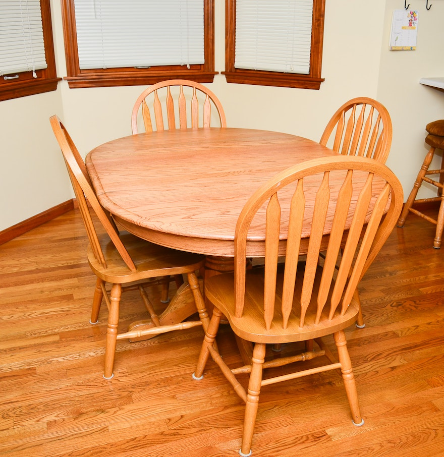 Country Kitchen Table: Amish Oak Country Kitchen Table : EBTH