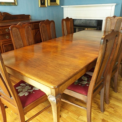Late 1920s Queen Anne Style Walnut Dining Table And Eight Chairs
