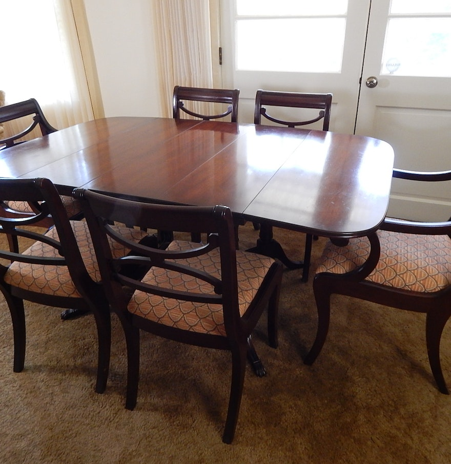 mahogany duncan phyfe styled dining table and chairs ebth. Black Bedroom Furniture Sets. Home Design Ideas
