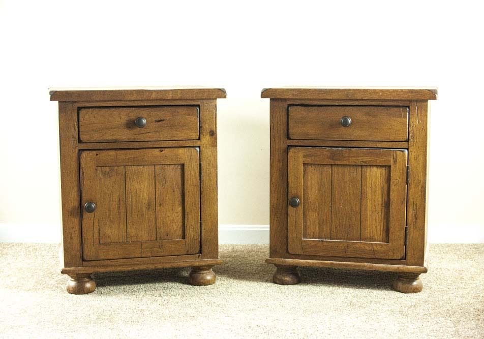 broyhill attic heirloom collection nightstands