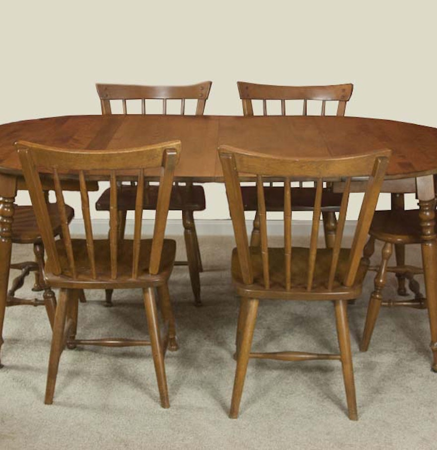 Vintage Maple Dining Room Table and Chairs : EBTH