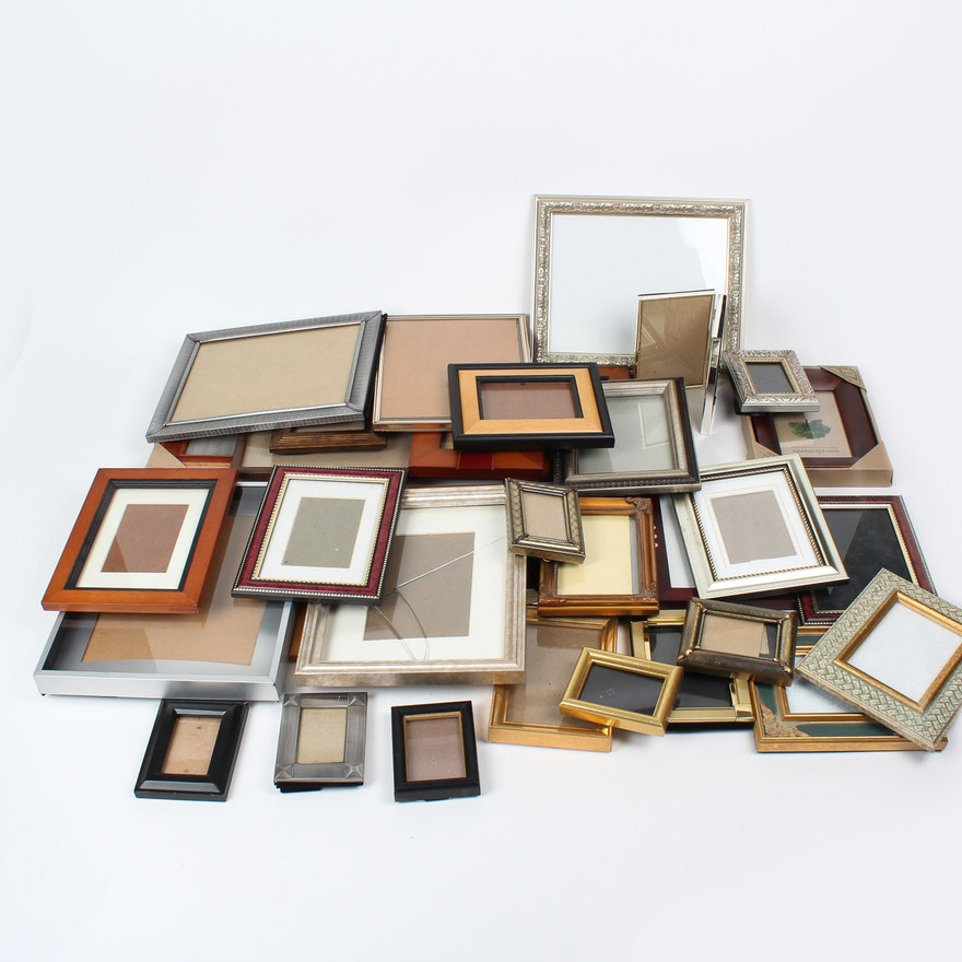 1484d6cd2b52 Assortment of Photo Frames   EBTH