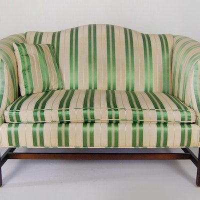 Chippendale Style Camel-Back Love Seat - Online Furniture Auctions Vintage Furniture Auction Antique