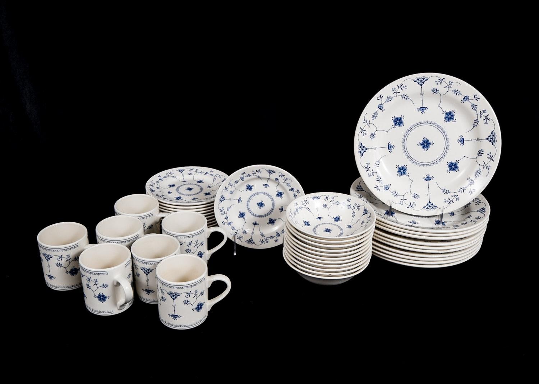 Churchill Dinnerware Set ... & Churchill Dinnerware Set : EBTH