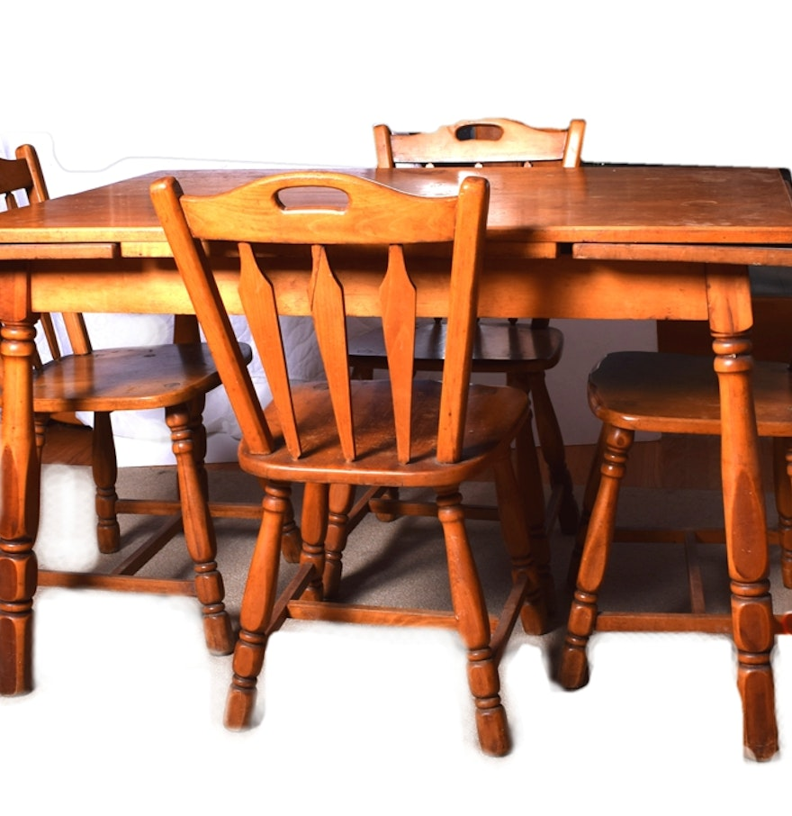 Maple Kitchen Table And Chairs Maple Draw Leaf Dining Table And Chairs Ebth