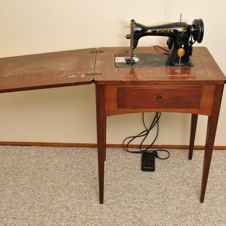 Vintage Singer Sewing Machine In Wooden Cabinet Ebth