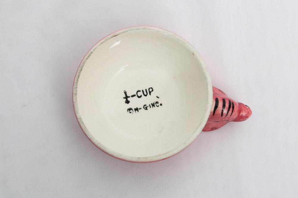 Vintage Menschik Goldman Beehive Measuring Cups And Cookie