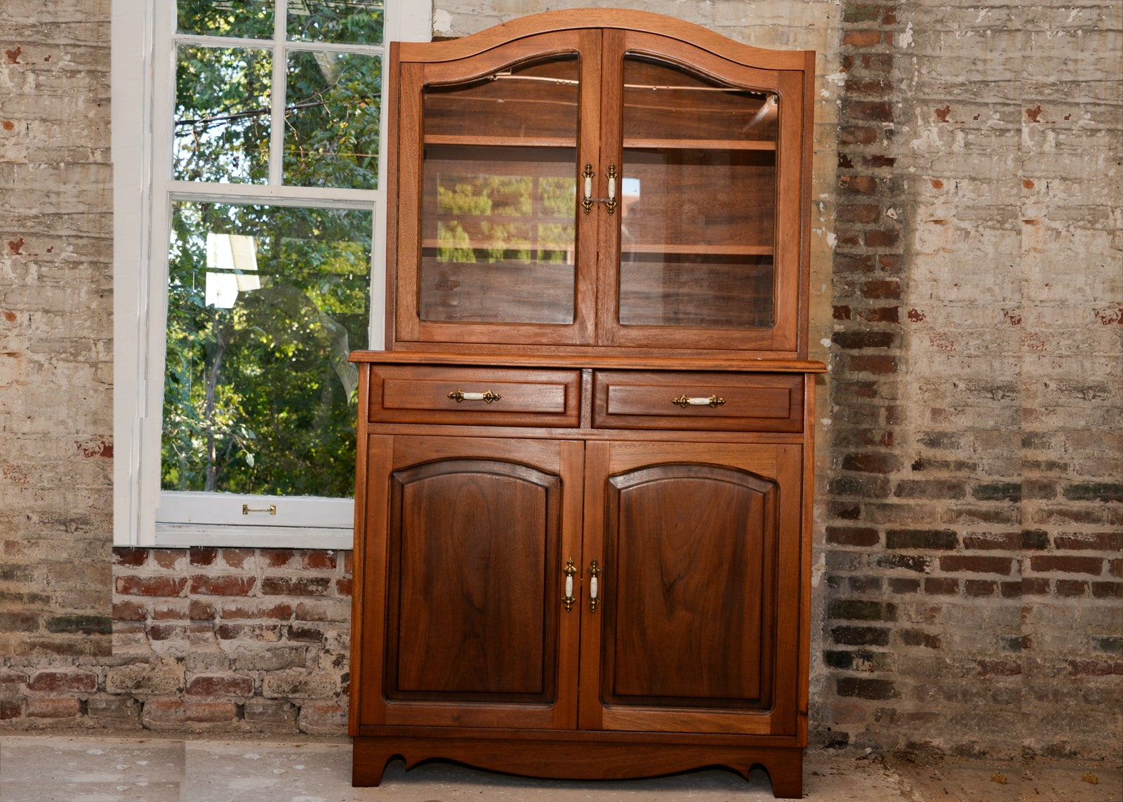 Traditional Style Two Piece China Cabinet Hutch ...