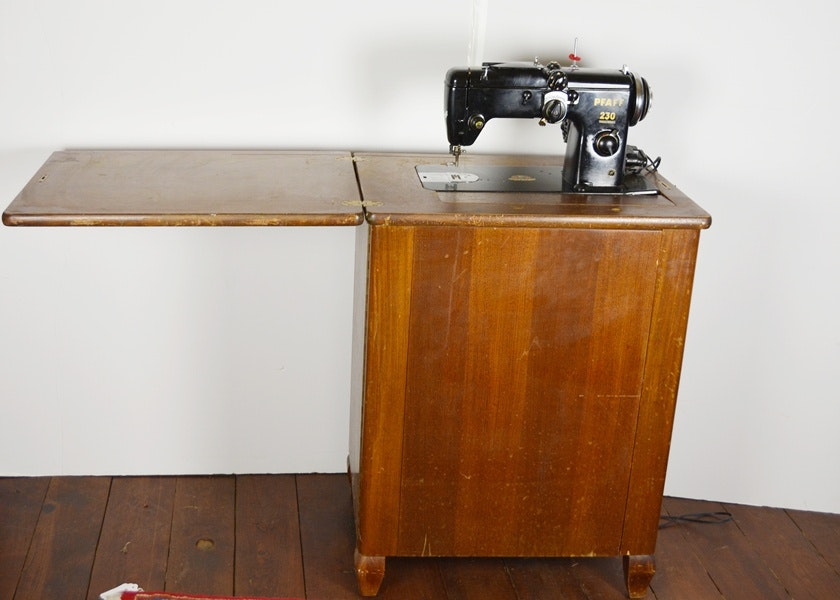 Pfaff 230 Sewing Machine and Cabinet ... & Pfaff 230 Sewing Machine and Cabinet : EBTH