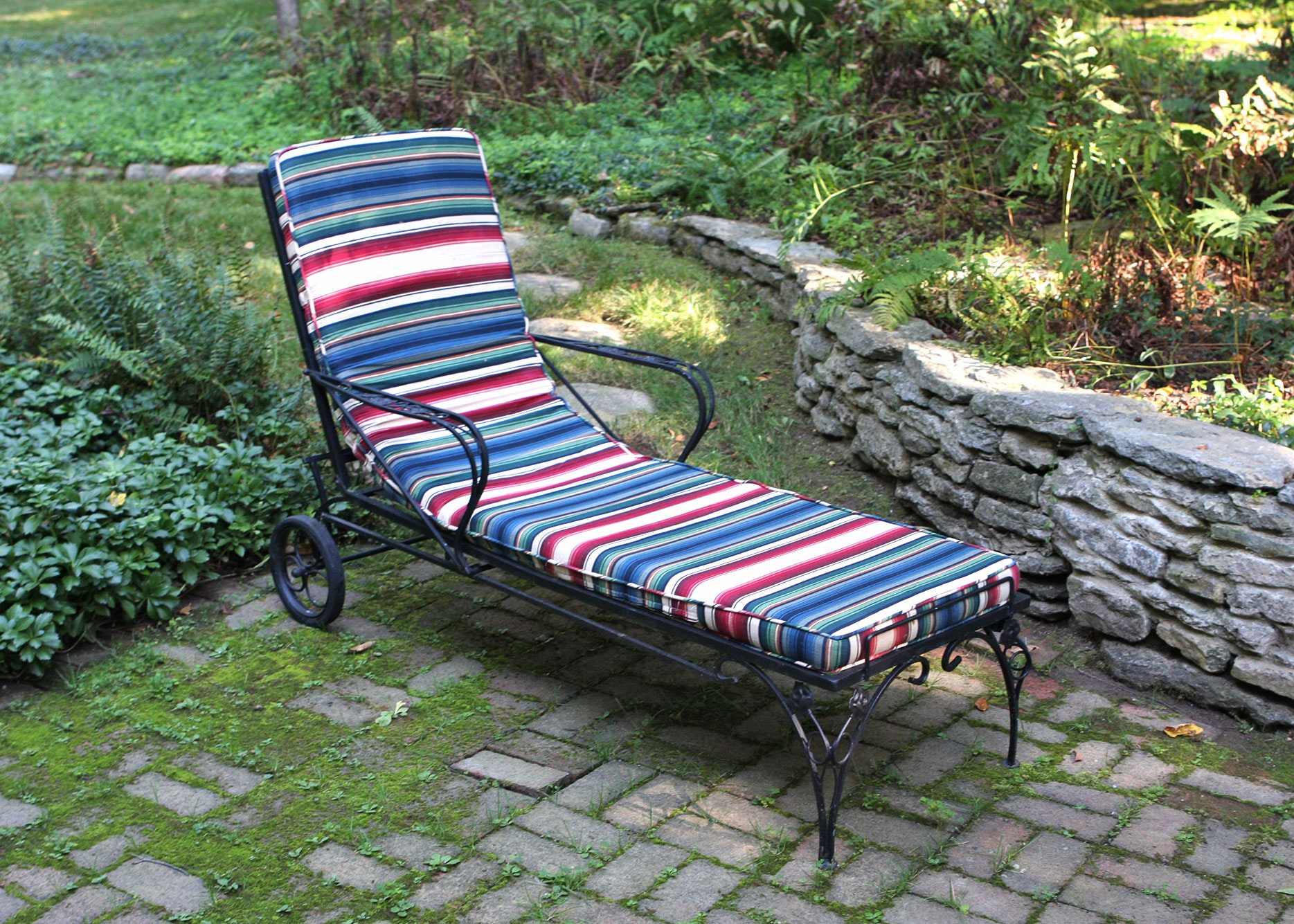 Painted Wrought Iron Outdoor Chaise Lounge with Wheels ... : wrought iron chaise lounge with wheels - Sectionals, Sofas & Couches