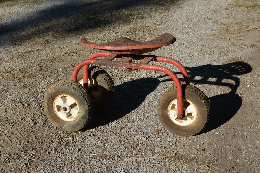Exceptional Vintage Tractor Seat Garden Scoot ...