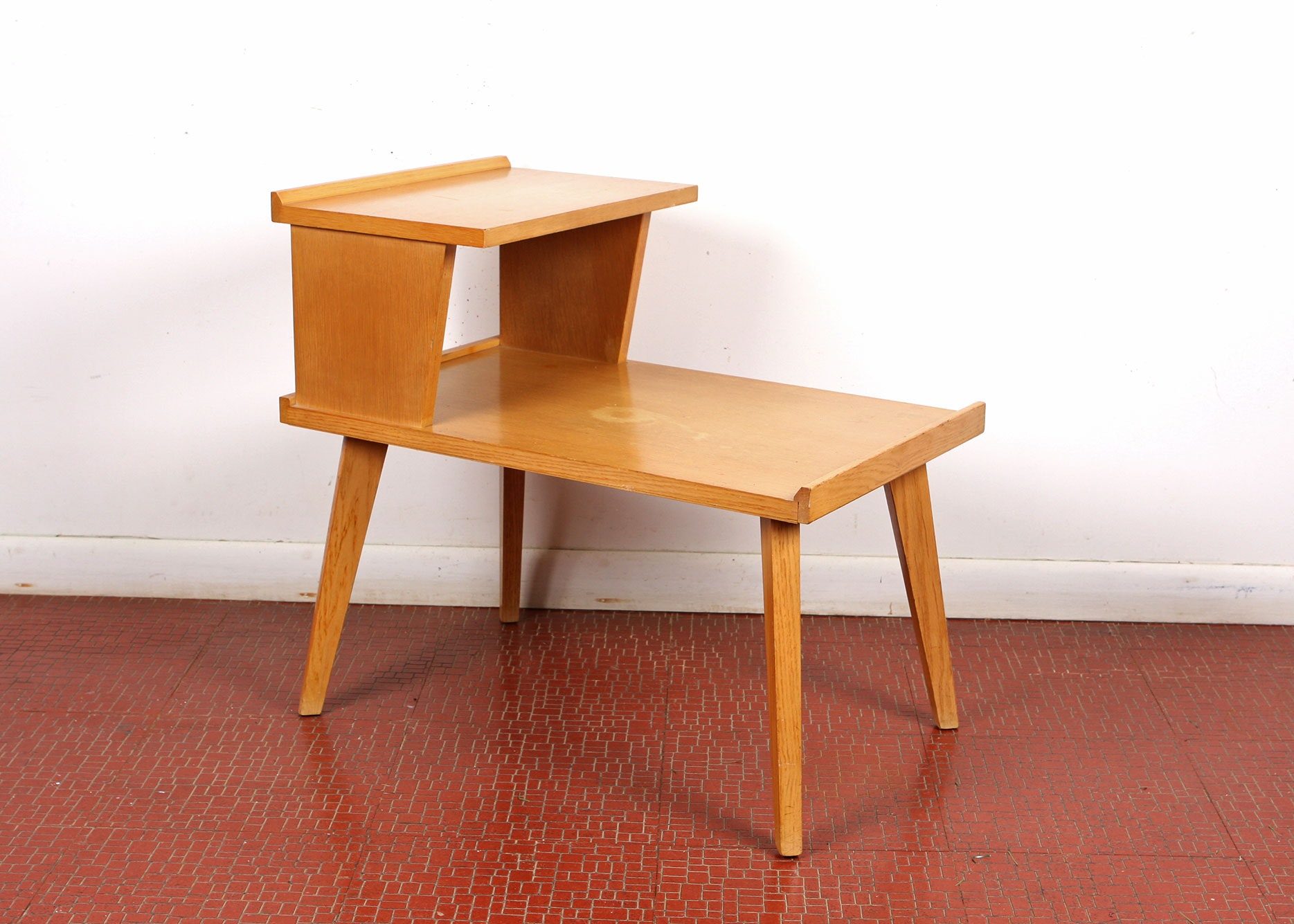 Oak Mersman Brand Two Step End Table ...