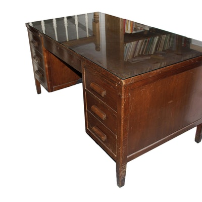 Vintage Executive Desk Used on Wall Street - Vintage Desks, Antique Desks And Used Desks Auction In Dallas