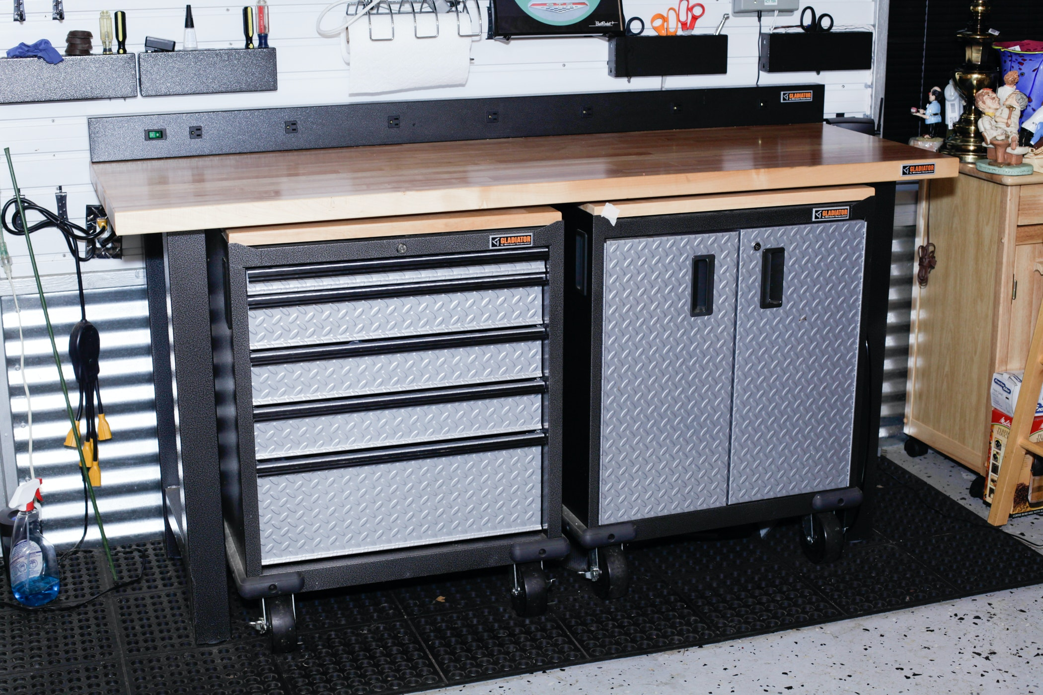 Gladiator Work Bench And Cabinets Ebth