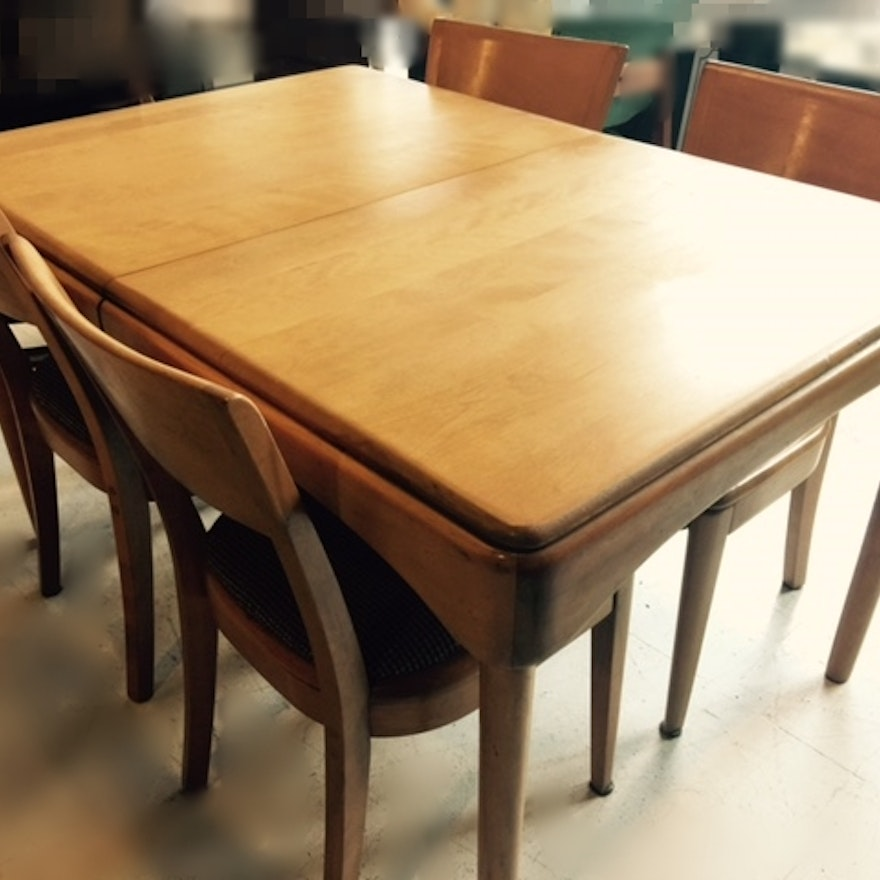 Heywood Wakefield Dining Table and Four Chairs : EBTH