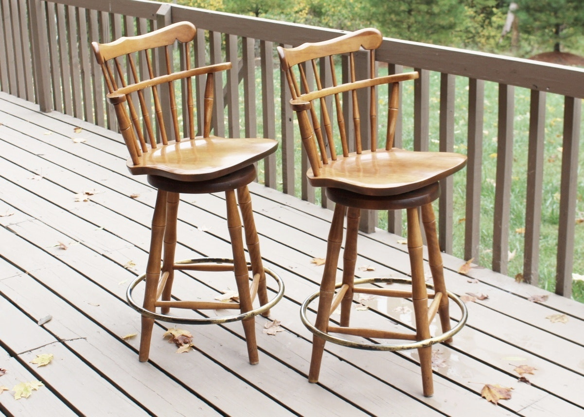 Colonial S Bent Amp Bros Maple Swivel Bar Stools Ebth