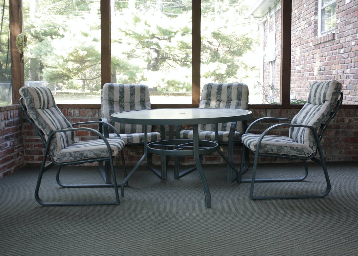 Carter Grandle Patio Table And Chairs ...
